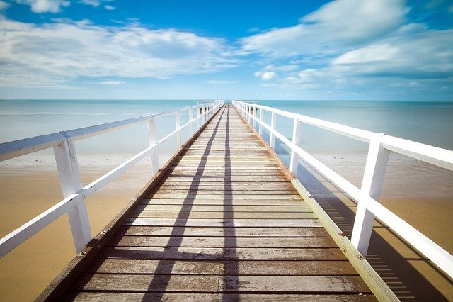 Things to do in Carnarvon, Accommodation Carnarvon, pic of a jetty and sea