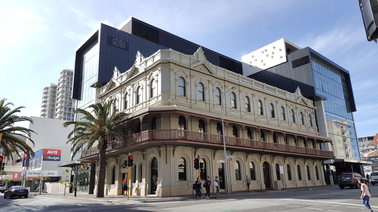 Where to Stay in Perth, Melbourne Hotel,