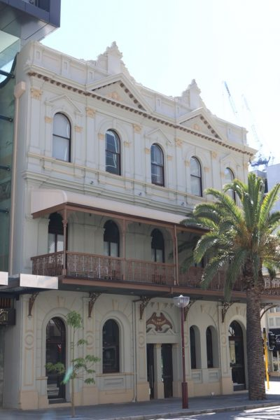 Where to Stay in Perth - The Melbourne Hotel - heritage exterior